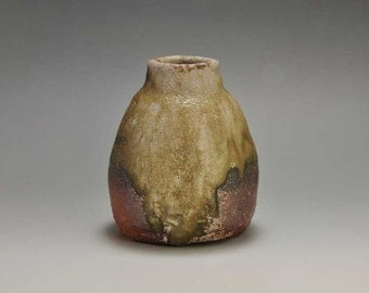 Shigaraki, anagama, ten-day anagama wood firing, with natural ash deposits wall hanging flower vase, kakeuzu-23