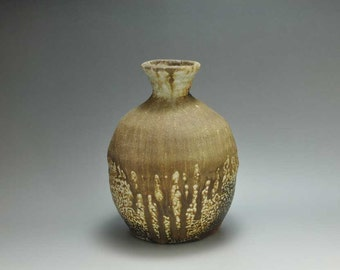 Shigaraki, anagama, ten-day anagama wood firing, with natural ash deposits pot. tsubo-24