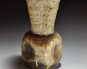 Shigaraki, anagama, ten-day anagama wood firing, with natural ash deposits flower vase. hana-43