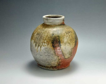 Shigaraki, anagama, ten-day anagama wood firing, with natural ash deposits pot. tsubo-25