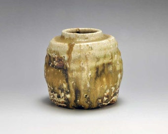 Shigaraki, anagama, ten-day anagama wood firing, with natural ash deposits wall hanging flower vase, kakeuzu-28