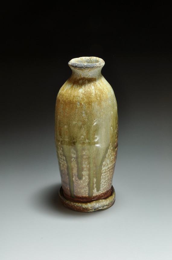 Shigaraki, anagama, ten-day anagama wood firing, with natural ash deposits flower vase. hana-41