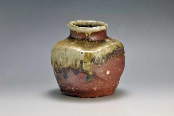 Shigaraki, anagama, ten-day anagama wood firing, with natural ash deposits wall hanging flower pot, kakeuzu-21