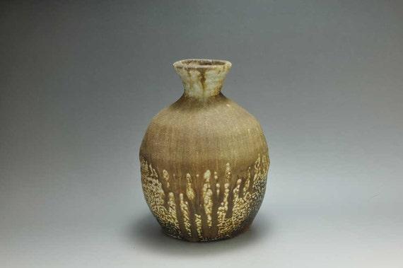 Shigaraki, anagama, ten-day anagama wood firing, with natural ash deposits pot. tsubo-24