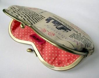 Glasses case Kiss lock purse Sunglass Case Eyeglass Case Paris New York Manhattan Rome neutral linen and coral pink