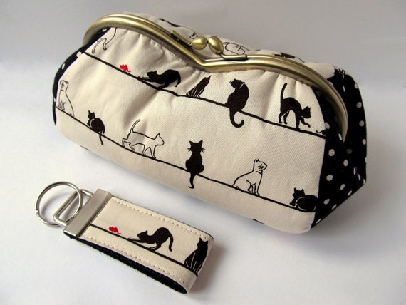 Cosmetics case and keyring Black cats on neutral - Reserved for a very special customer: Carolann Tracy