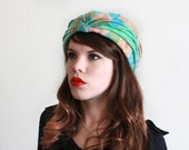 1950s Hat / 50s Turban Hat / Floral Print / Green, Blue and Brown / 22 inches