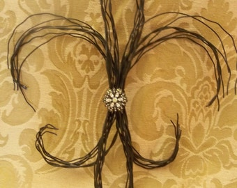 Wire Fleur De Lis wall decoration