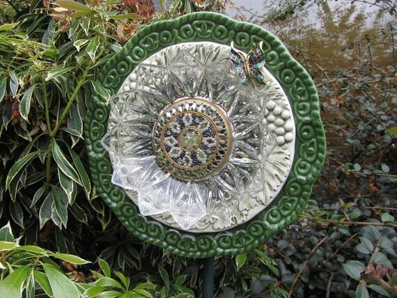 Plate Art Flower Decor for the Garden