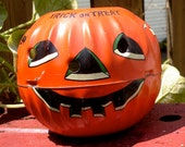 US Metal Toy Co. jack-o-lantern PUMPKIN trick-or-treat