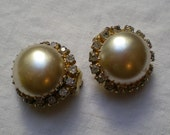 FREE SHIPPING Vintage Big Faux Pearl & Diamond Rhinestone Clip-on Earrings (Costume Jewelry Diva Midcentury Marilyn Monroe Betty Draper)