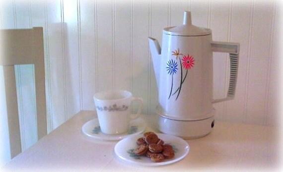 Coffee Pot Percolator Cottage Kitchen
