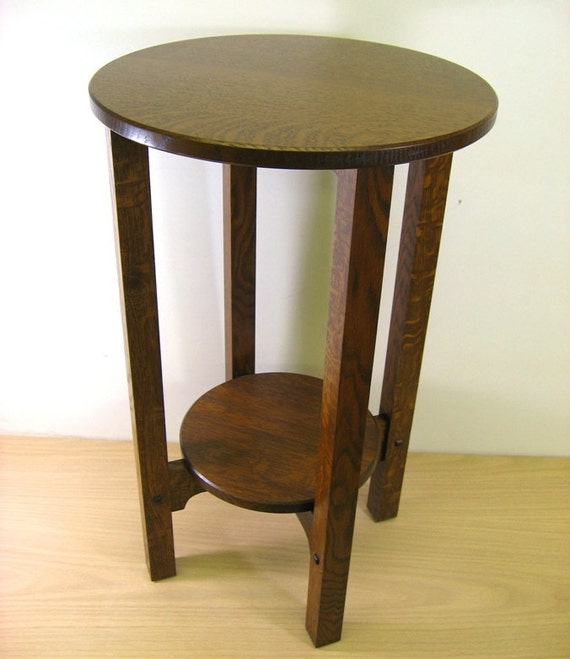Stickley style Tiger Oak Plant Stand    End Table