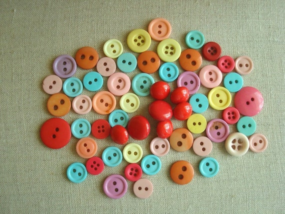Caribbean button collection, 60 in tropical colors