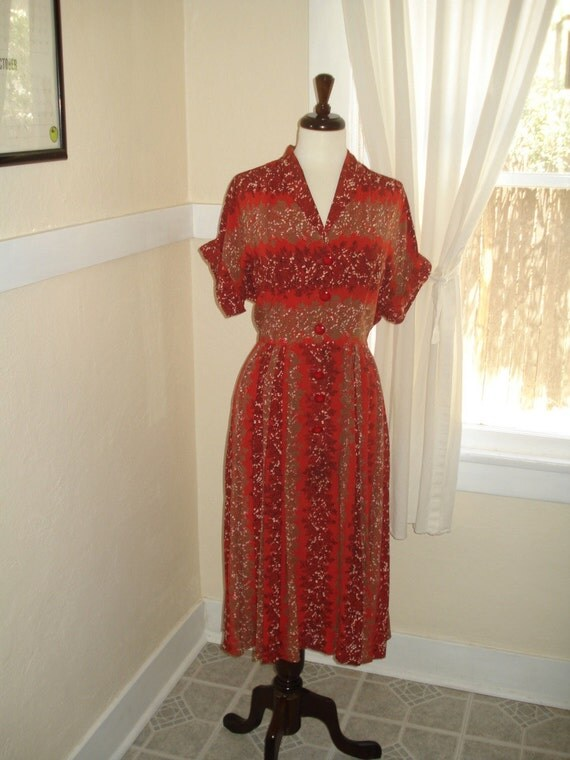 Delightful Vintage 1940's or early 1950s Rayon Dress with Novelty Print. L