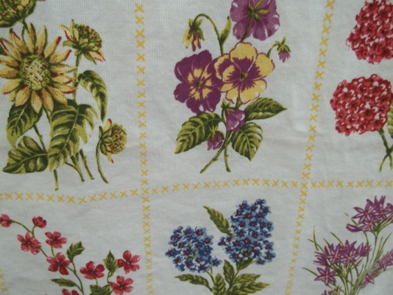 Vintage Floral Kitchen Curtain, Makes a great vintage gift, Looks great in your country kitchen, floral kitchen