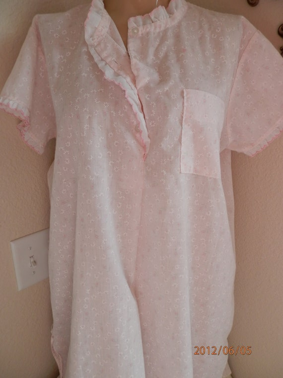Nightgown, Vintage Womens Nightie, Soft Pink Petals on White Cotton with Pink Trim, Size Medium
