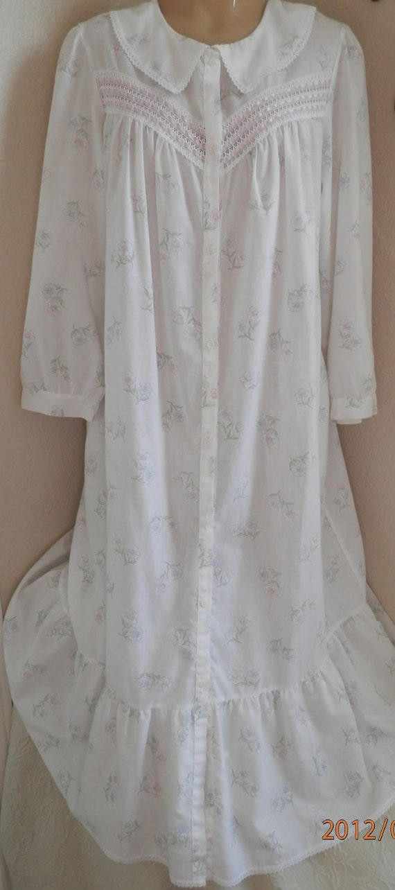 NIghtgowns, Romance, Vintage, Womens Nightie, Soft Pink Petals on White Cotton with Pink Satin Inlay, Size Medium