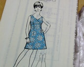 """36"""" Chest - 1960s Vtg Twiggy Summer Day DRESS Sewing Pattern, with original envelope & LONDON date stamp 1969 - OOP"""