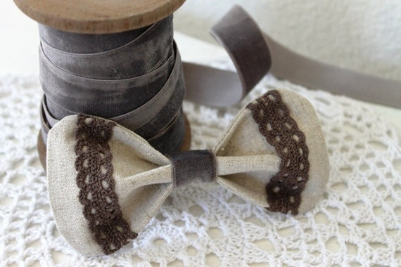 Girly-Cute bow barrette/clip made w/linen and lace