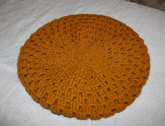 Beautiful Vintage Knit Dark Mustard Beret