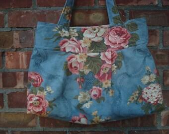 Pleated tote bag