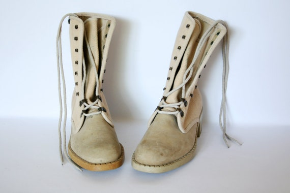 Vintage 90s Beige Chunky Sole Suede and Canvas Lace Up Boots Size 7.5