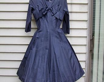 Vintage Navy dress w great neckline effect oversized bow ala 1950s