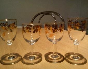 Vintage gold trim & flowers sherry/tot/shot drinking glasses