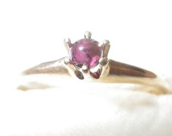ON SALE Vintage 14K Garnet Ring