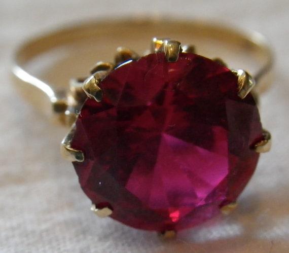 Vintage 14K Gold Ruby Ring