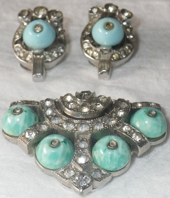 Reserved for Anna.    ////////     Antique KTF Trifari Rhodium Finished Paste and Peking Glass Clips
