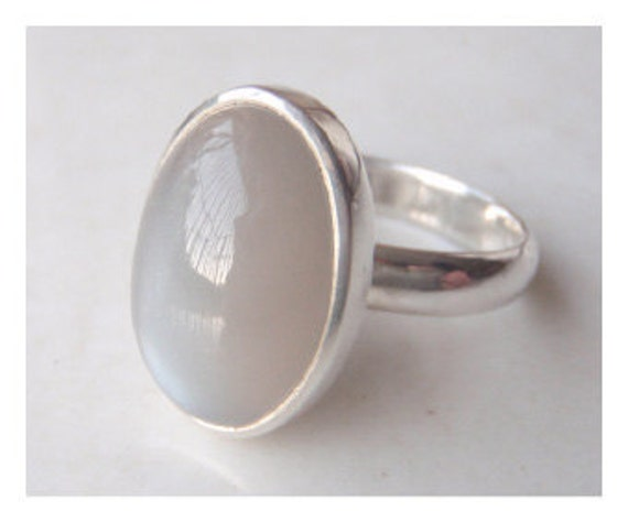 Grey Moonstone Ring - Sterling Silver (925)