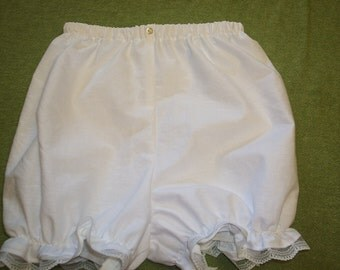 Bloomers, Girls size 3,4,5, 6,7, or 8 Ruffles and Lace Treasured Collection bloomers in white.