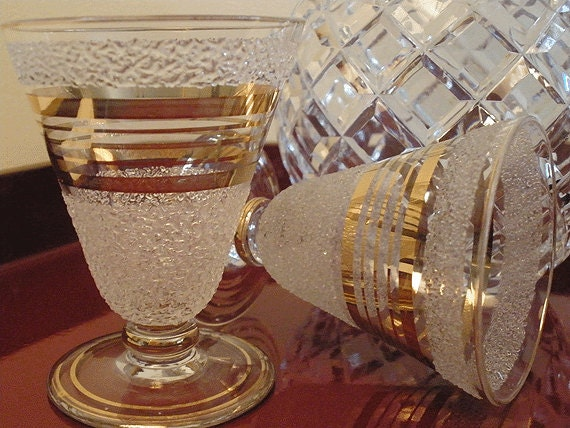 ANTIQUE 1940s sherry glasses with gold and frosting