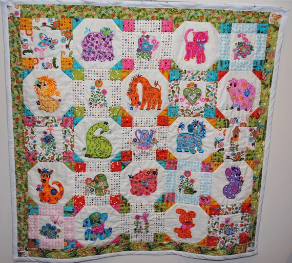baby quilt, appliqued, cuddlesome critters