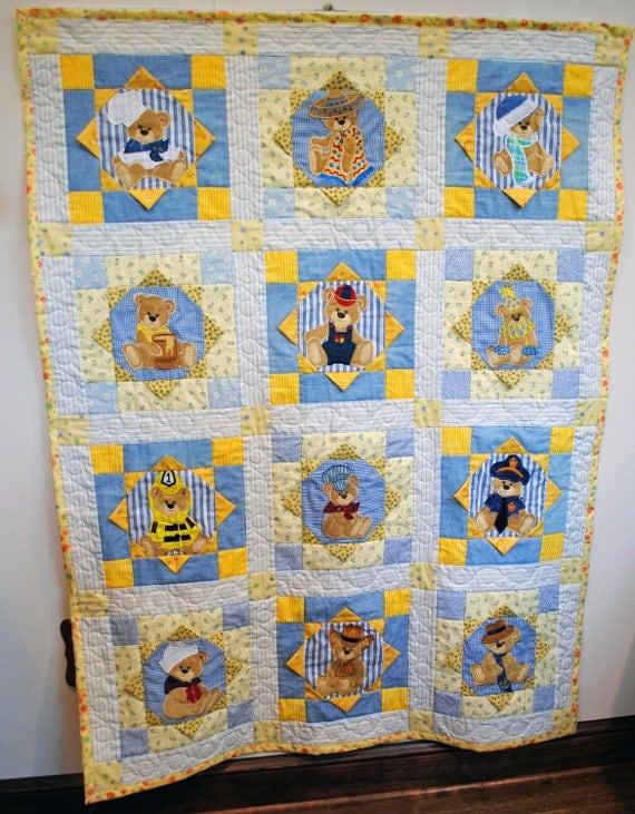 Baby quilt, appliqued, teddy bear