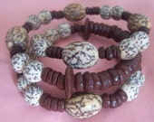 Memory wire bracelet with fair-trade recycled beads brown and cream