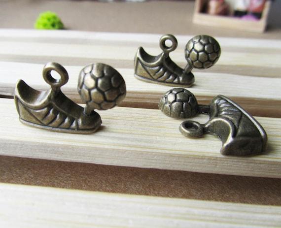 Wholesale 10pcs Antique Bronze Socker Shoes Charm Pendants 15x24mm B230