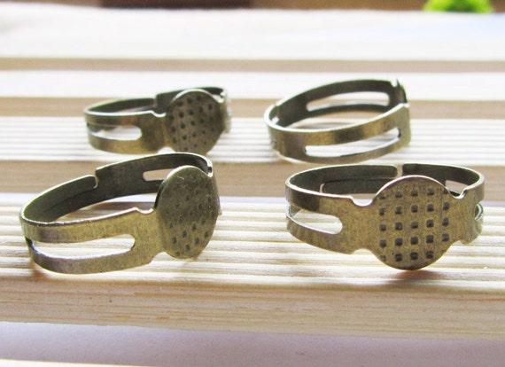 50 Antique Brass Adjustable Ring Blanks - Flat 8mm Pad J4013