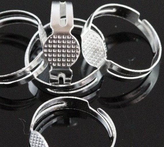 Wholesale 50 Silver Plated Adjustable Ring Blanks - Flat 8mm Pad J4011