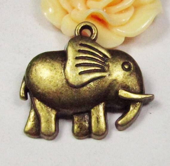10pcs Antique Bronze Elephant Charm Pendants Jewelry Findings 26x29mm C308-2
