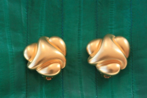 Kenneth Jay Lane - Geometric Shape Knot Clip On Earrings