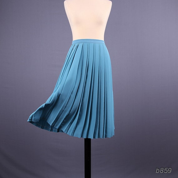 Vintage Pastel Blue Skirt / Pleated Midi Skirt / Medium