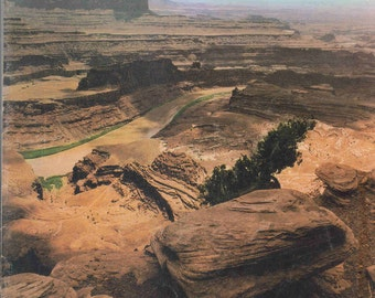 Desert Magazine May 1966  - Fantastic Utah, Land of Contrasts