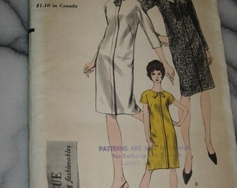Complete Vintage Vogue Mod 60s One Pcs Dress Patterns 6652 Slim Wiggle Walk Sz10 3 version Classic Cool Mad Man Hot for work play cocktails