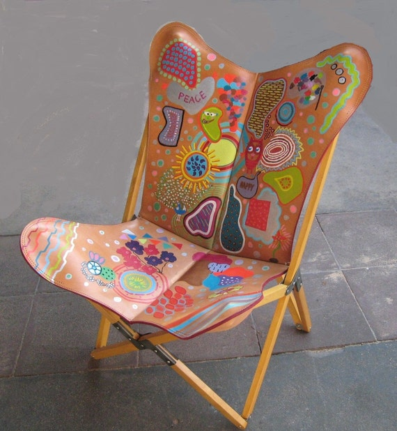 BOHO CHIC Tripo Butterfly Chair in Hand Painted Leather & Folding Wood  Frame Chairs