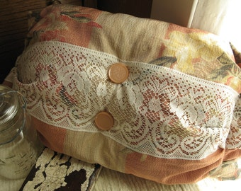 Vintage Linen Pillow with Lace and Barkcloth