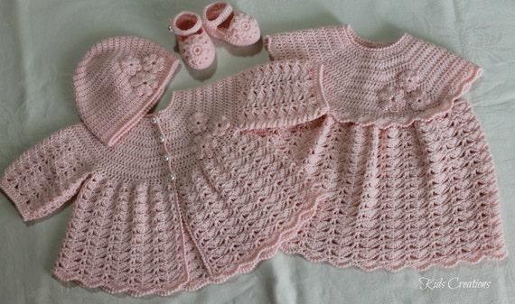 نوزاد به دست بچه قلاب باف 3M لباس دختران، زنانه، کلاه و کفش در رنگ های سفارشی.