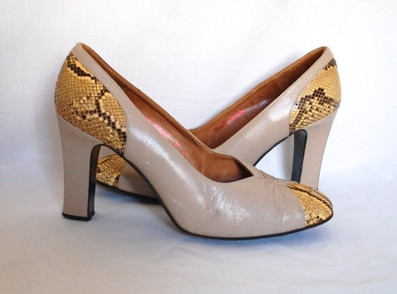 8 / 1970 Rosina Ferragamo Schiavone Timeless Python & Leather Pumps